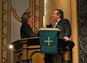 Martia Lersner und Florian Barth beim Predigt-Battle in Neukölln.
