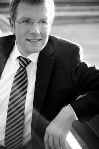 Bernd Tiggemann (Pfarrer, Journalist und Musiker) leitet die Internetarbeit der Evangelischen Kirche von Westfalen.